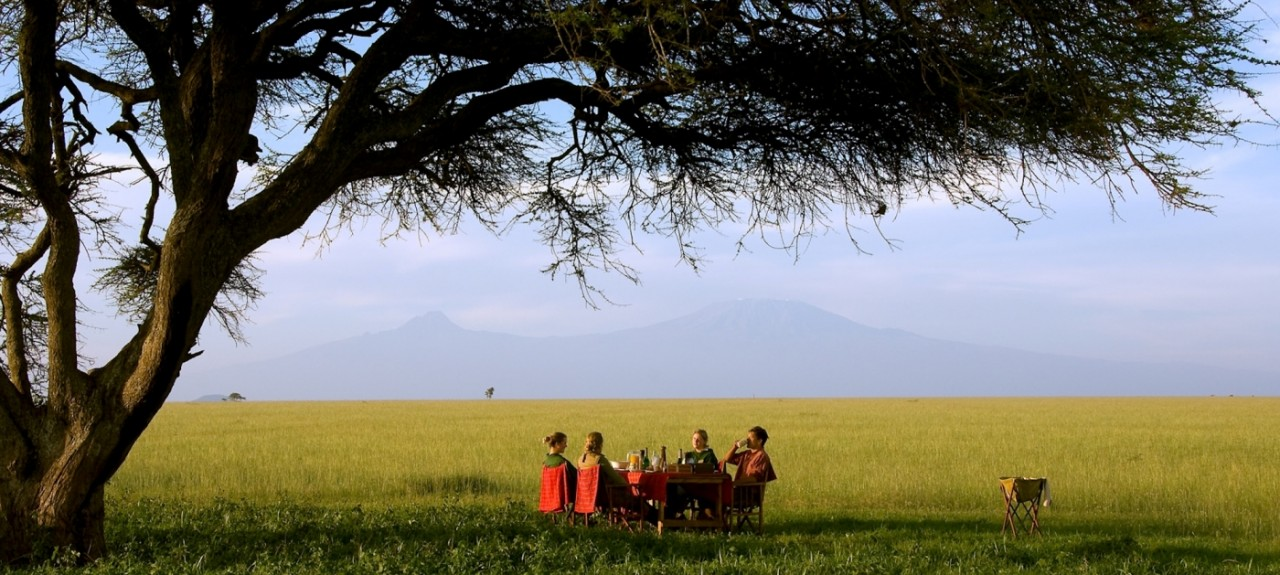 Ol Donyo lodge brunch on the plains near Chyulu Hills