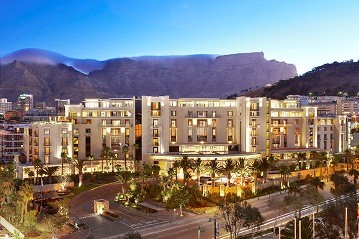 Exterior view of One and Only Cape Town with spectacular Table Mountain as backdrop